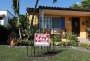 Продажбите на недвижими имоти спаднаха с близо 18% през април